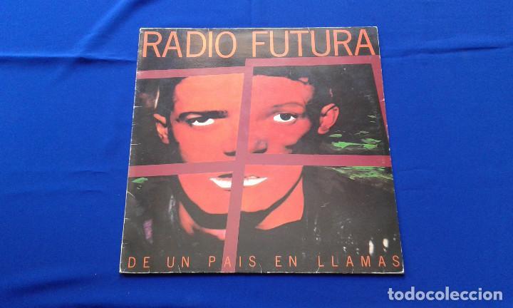VINILO RADIO FUTURA (DE UN PAIS EN LLAMAS) (Música - Discos - Singles Vinilo - Grupos Españoles de los 70 y 80)