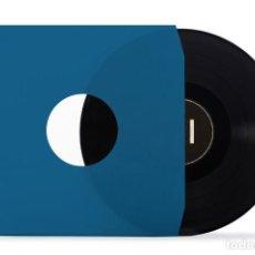 Discos de vinilo: 50 FUNDAS INTERNAS DE PAPEL AZUL PARA DISCOS DE VINILO LP Y 12 MAXI SINGLE. Lote 171446233