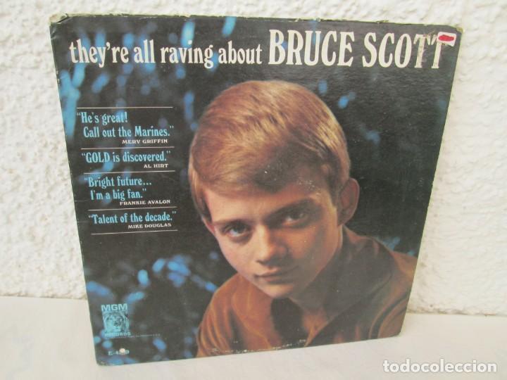THEY´RE ALL RAVING ABOUT BRUCE SCOTT. LP VINILO. MGN RECORDS. VER FOTOGRAFIAS ADJUNTAS (Música - Discos de Vinilo - EPs - Pop - Rock Internacional de los 70)