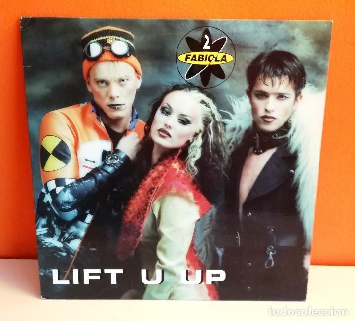 MAXI EN VINILO DE 2 FABIOLA. LIFHT U UP. (1996) (Música - Discos de Vinilo - EPs - Disco y Dance)