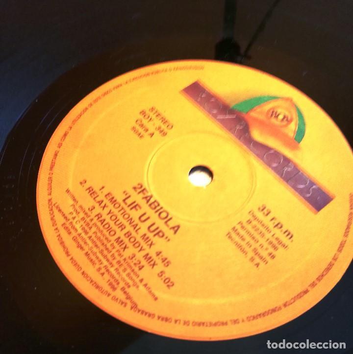 Discos de vinilo: MAXI EN VINILO DE 2 FABIOLA. LIFHT U UP. (1996) - Foto 2 - 171741082