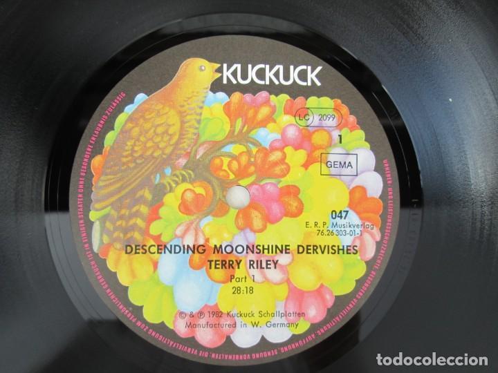 Discos de vinilo: TERRY RILEY. DESCENDING MOONSHINE DERVISHES. LP VINILO. KUCKUCK 1982. VER FOTOGRAFIAS ADJUNTAS - Foto 4 - 171744519