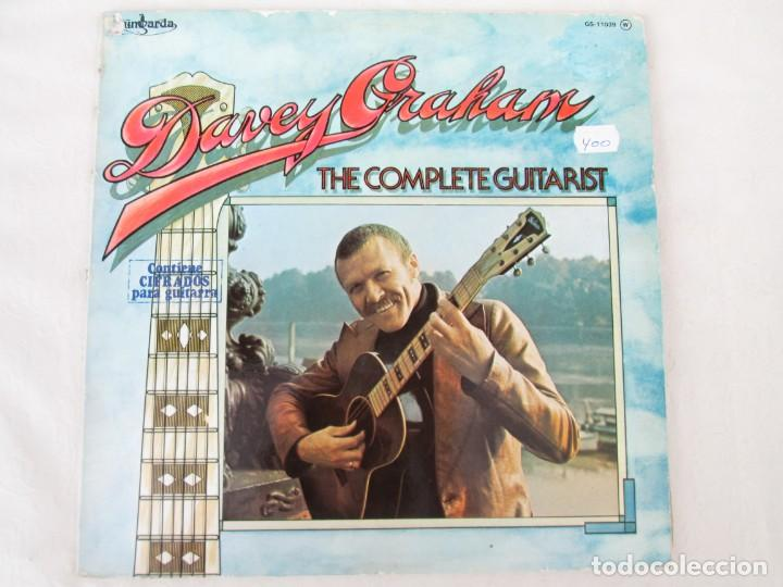 Discos de vinilo: DAVEY GRAHAM. THE COMPLETE GUITARIST. LP VINILO. GUIMBARDA ZAFIRO 1979. VER FOTOGRAFIAS ADJUNTAS - Foto 2 - 171745967