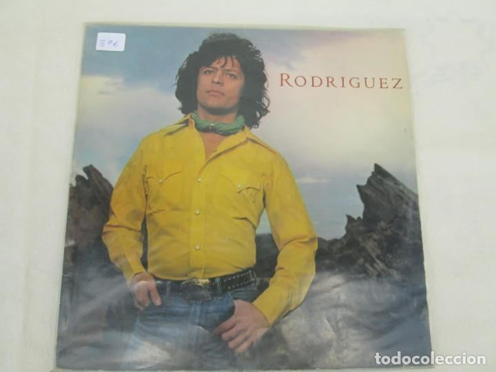 Discos de vinilo: JOHNNY RODRIGUEZ. LP VINILO. EPIC CBS 1979. VER FOTOGRAFIAS ADJUNTAS - Foto 2 - 171818728