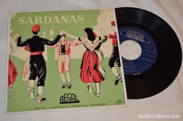 Discos de vinilo: Lote 10 Singles / Años 50 - 60, Compañías REGAL, RCA, COLUMBIA, TELEFUNKEN, LA VOZ DE SU AMO ¡Mira! - Foto 2 - 172112080
