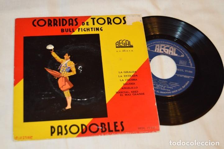 Discos de vinilo: Lote 10 Singles / Años 50 - 60, Compañías REGAL, RCA, COLUMBIA, TELEFUNKEN, LA VOZ DE SU AMO ¡Mira! - Foto 8 - 172112080