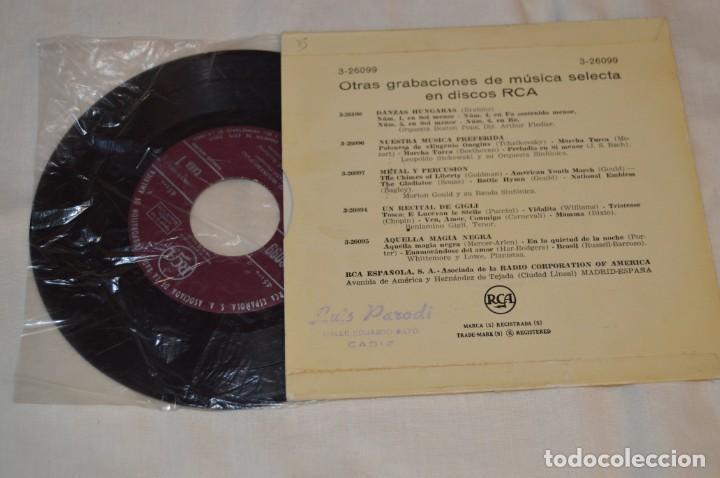 Discos de vinilo: Lote 10 Singles - Años 50/60, Compañías ZAFIRO, RCA, COLUMBIA, TELEFUNKEN, LA VOZ DE SU AMO y otras. - Foto 7 - 172112903