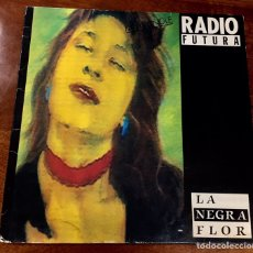 Discos de vinil: RADIO FUTURA. PASEO CON LA NEGRA FLOR.. Lote 172115268