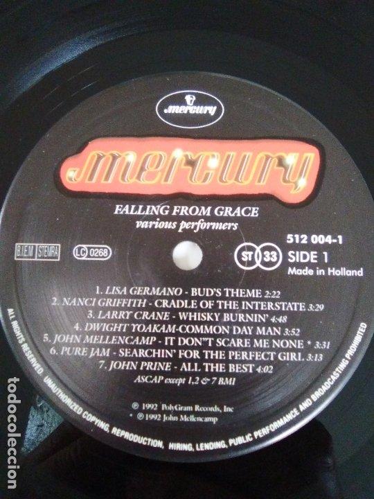 Discos de vinilo: FALLING FROM GRACE ( 1992 MERCURY HOLLAND ) JOHN COUGAR MELLENCAMP JOHN PRINE DWIGHT YOAKAM LISA GER - Foto 4 - 172967550