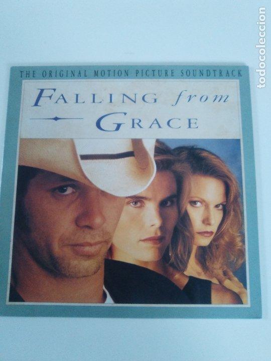 FALLING FROM GRACE ( 1992 MERCURY HOLLAND ) JOHN COUGAR MELLENCAMP JOHN PRINE DWIGHT YOAKAM LISA GER (Música - Discos - LP Vinilo - Bandas Sonoras y Música de Actores )