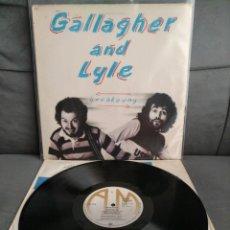 Discos de vinilo: GALLAGHER AND LYLE - BREAKAWAY. Lote 194256661