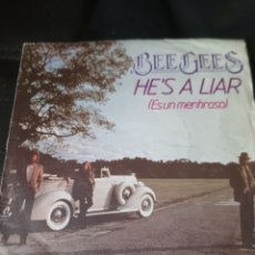 Discos de vinilo: BEE GEES. HE'S A LIAR. 1981. Lote 173498039