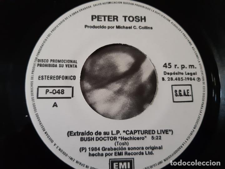 Discos de vinilo: PETER TOSH- BUSH DOCTOR - SPAIN PROMO SINGLE 1984 - COMO NUEVO. - Foto 3 - 173565127