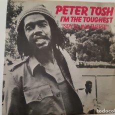 Discos de vinilo: PETER TOSH- I´M THE TOUGHE - SPAIN SINGLE 1979 - VINILO COMO NUEVO.. Lote 173565428