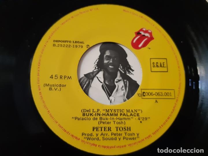 Discos de vinilo: PETER TOSH- BUCK-IN-HAMM PALACE - SPAIN SINGLE 1979 - VINILO COMO NUEVO. - Foto 3 - 173565695