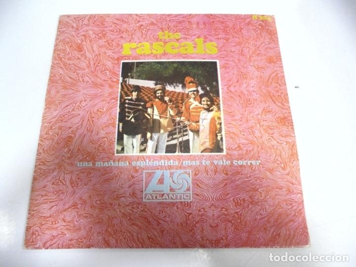 SINGLE. THE RASCALS. UNA MAÑANA ESPLENDIDA / MAS TE VALE CORRER. 1968. HISPAVOX (Música - Discos - Singles Vinilo - Pop - Rock Extranjero de los 50 y 60)