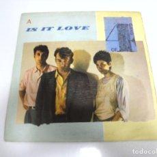 Discos de vinilo: SINGLE. GANG OF FOUR. IS IT LOVE. 1983. DISCOS CBS. Lote 173894648