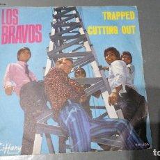 Discos de vinilo: LOS BRAVOS - TRAPPED - SINGLE ITALY. Lote 173998472