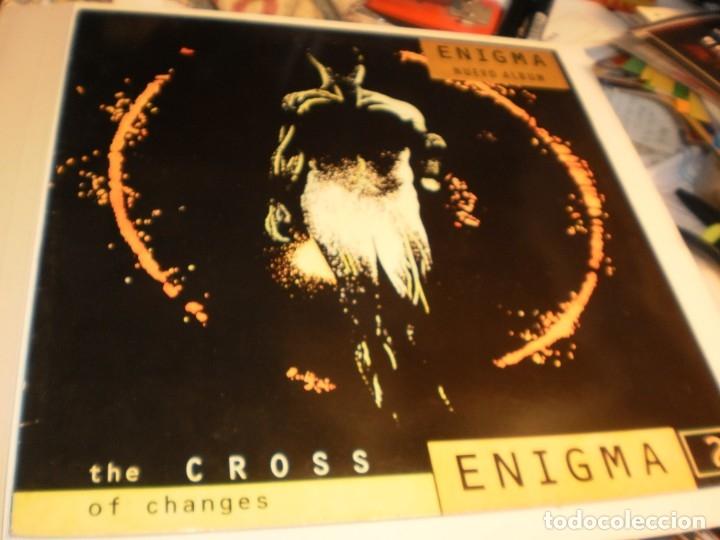 LP ENIGMA. THE CROSS OF CHANGES VIRGIN 1993 UK, CON FUNDA INTERIOR ORIGINAL (PROBADO Y BIEN) (Música - Discos - LP Vinilo - Pop - Rock Extranjero de los 90 a la actualidad)