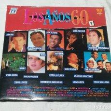 Discos de vinilo: TRIPLE L.P.: LOS AÑOS 60 - DIVUCSA, 1990 - (PESO: 446 GRAMOS). Lote 174310332