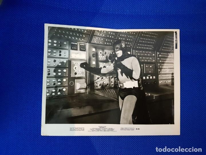 BATMAN EN BATICUEVA FOTO ORIGINAL U.S.A COLECCIONISTAS (Música - Discos - LP Vinilo - Pop - Rock Extranjero de los 50 y 60)