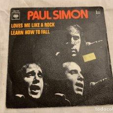 Discos de vinilo: PAUL SIMON WITH THE DIXIE HUMMINGBIRDS – LOVES ME LIKE A ROCK SELLO: CBS – CBS 1700 . Lote 174408912