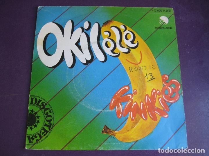 KINKIES SG EMI ODEON 1975 - OKILÉLÉ +1 FUNK SOUL AFROBEAT - VINILO SIN APENAS USO, PORTADA CON ROCE (Música - Discos - Singles Vinilo - Funk, Soul y Black Music)