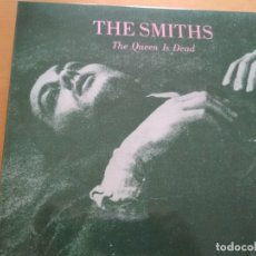 Discos de vinilo: THE SMITHS THE QUEEN IS DEAD LP GATEFOLD INSERTO. Lote 174571179