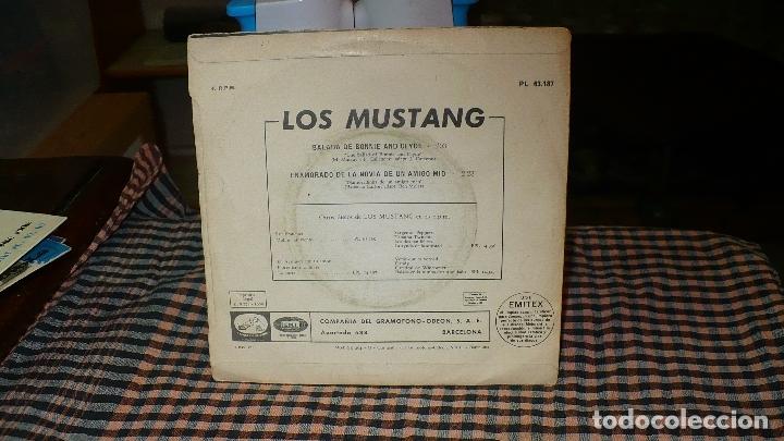 Discos de vinilo: los mustang - balada de bonnie and clyde / enamorado de la novia de un amigo mio, emi 1968. - Foto 2 - 174639972