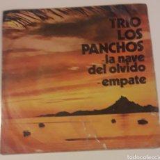 Discos de vinilo: DISCO VINILO SINGLES 45 RPM TRIO LOS PANCHOS. Lote 175628524