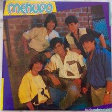 Discos de vinilo: MENUDO (RICKY MARTIN). LP ORIGINAL ESPAÑA + INSERTO CON LETRAS. COMO NUEVO. Lote 175883508