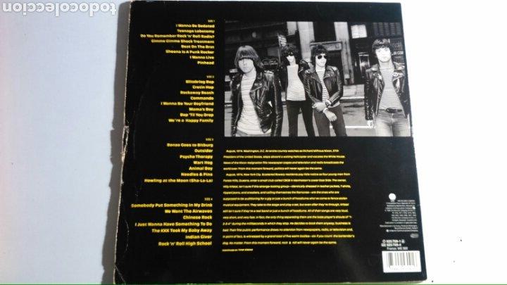 Discos de vinilo: Ramones – Ramones Mania 2 LP´s (1988) USA - Foto 2 - 175945415