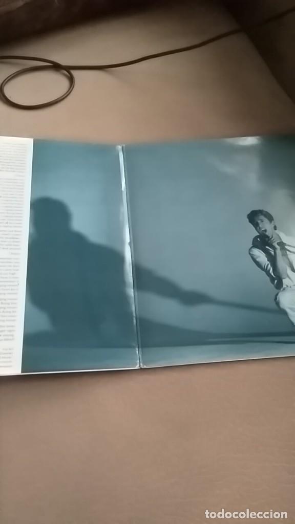 Discos de vinilo: ROGER DALTREY Under a raging moon doble single ,single dos temas de the WHO 5 temas - Foto 2 - 176101883