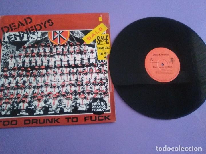 JOYA MUY RARO MAXI.DEAD KENNEDYS.TOO DRUNK TO FUCK. UK. CHERRY RED RECORDS 12 CHERRY 24.AÑO 1981. (Música - Discos de Vinilo - Maxi Singles - Punk - Hard Core)