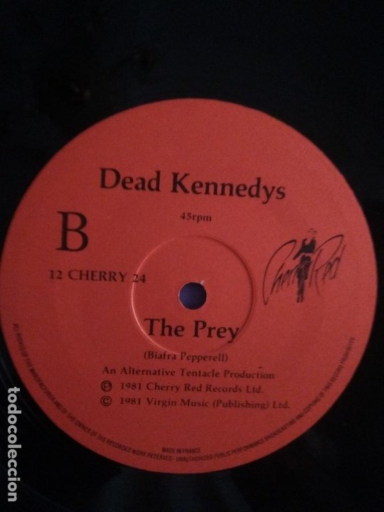 Discos de vinilo: JOYA MUY RARO MAXI.DEAD KENNEDYS.TOO DRUNK TO FUCK. UK. CHERRY RED RECORDS 12 CHERRY 24.AÑO 1981. - Foto 4 - 176454538