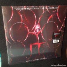 Discos de vinilo: BENJAMIN WALLFISCH - IT MUSICA DE LA PELÍCULA - DOBLE LP NUEVO CERRADO.. Lote 184594072