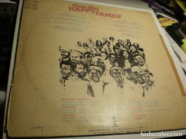 Discos de vinilo: lp one big happy family. island 1979 spain (probado y bien) - Foto 2 - 176949317