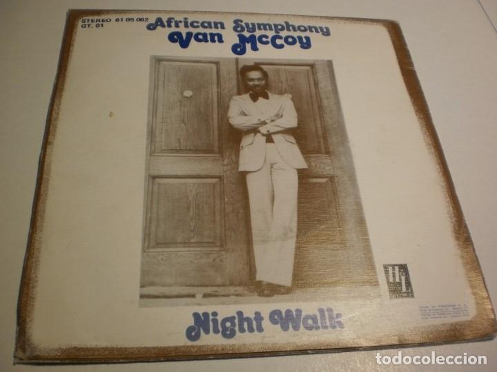 Discos de vinilo: single van mccoy. african symphony. night walk. hl records 1976 spain (probado y bien) - Foto 2 - 177037294