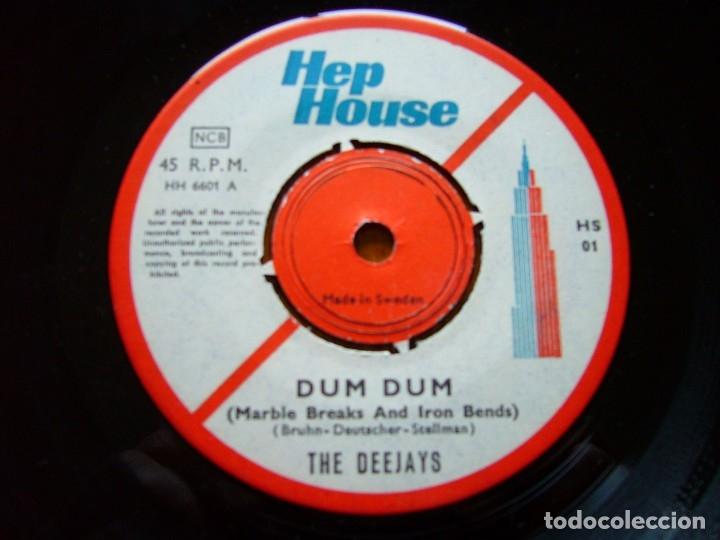 Discos de vinilo: DEEJAYS-DUM DUM 1966 UK BEAT SINGLE ORIGINAL SUECO - Foto 3 - 177068922