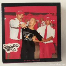 Discos de vinilo: SENSELESS THINGS - PRIMARY INSTINCT - SINGLE EPIC UK 1993 - VINILO ROSA. Lote 177339998