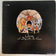 Discos de vinilo: QUEEN - A DAY AT THE RACES - 1ª EDICIÓN ESPAÑOLA 1976 GATEFOLD. COMPLETO!. Lote 177714249