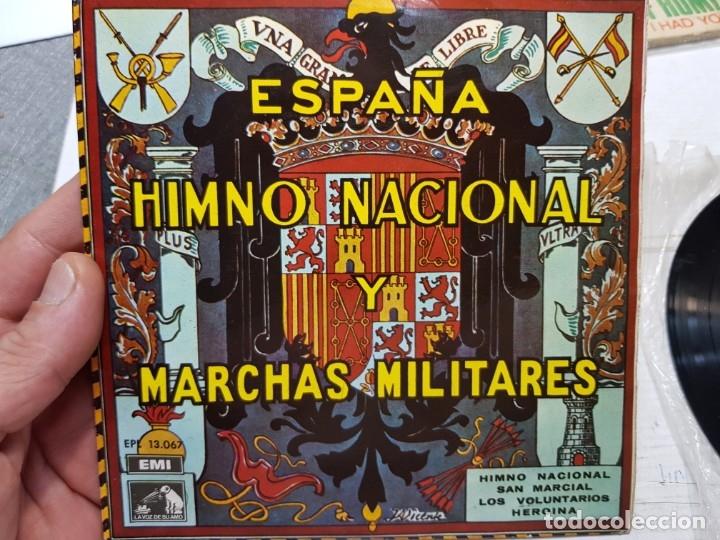 SINGLE-ESPAÑA HIMNO NACIONAL Y MARCHAS MILITARES-DE EMI ,LA VOZ DE SU AMO 1958 EN FUNDA ORIGINAL (Música - Discos - Singles Vinilo - Clásica, Ópera, Zarzuela y Marchas)