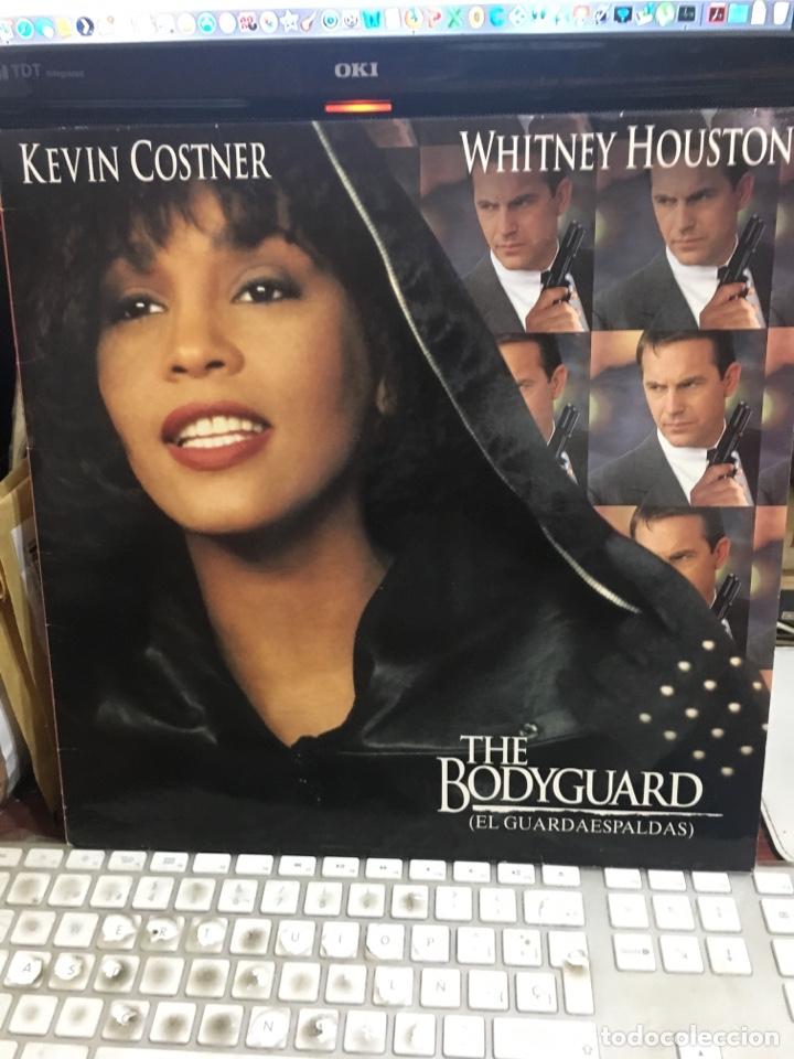 THE BODYGUARD(EL GUARDAESPALDAS)-1992-WHITNEY HOUSTON-EXCELENTE ESTADO-ENCARTE ORIGINAL CON LETRAS (Música - Discos - LP Vinilo - Bandas Sonoras y Música de Actores )
