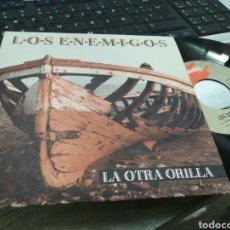 Discos de vinilo: LOS ENEMIGOS SINGLE LA OTRA ORILLA 1992 EN PERFECTO ESTADO. Lote 178143875