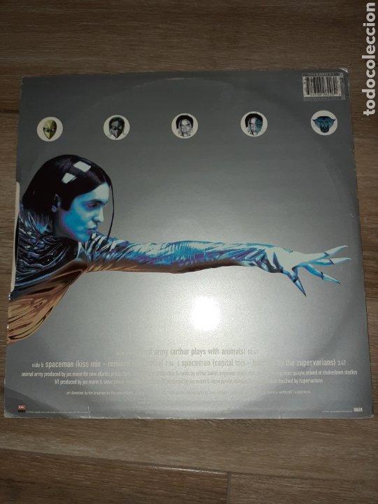 Discos de vinilo: Babylon zoo lp, animal army spaceman - Foto 2 - 178154528