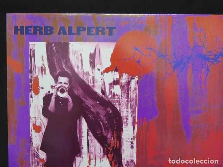 Discos de vinilo: HERB ALPERT - UNDER A SPANISH MOON (LP-Vinilo) AÑO 1988, COMO NUEVO-CALIDAD - Foto 4 - 178216845