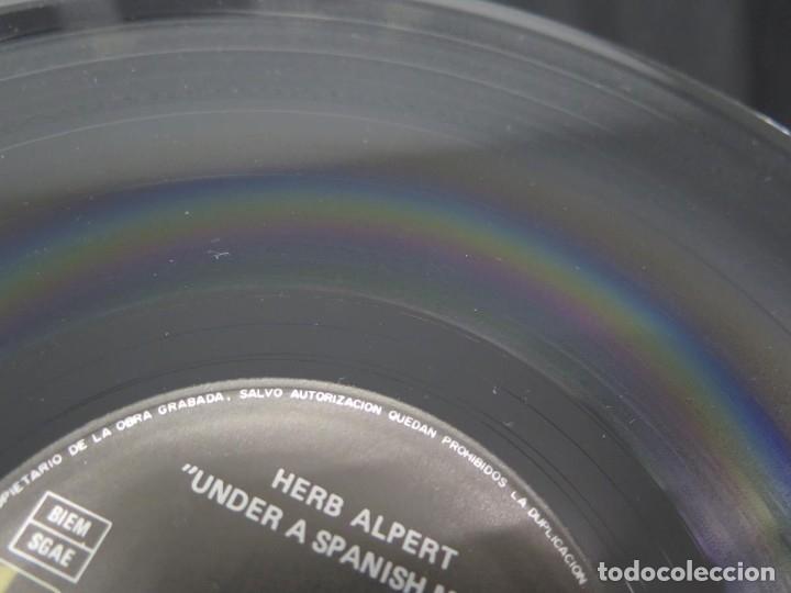 Discos de vinilo: HERB ALPERT - UNDER A SPANISH MOON (LP-Vinilo) AÑO 1988, COMO NUEVO-CALIDAD - Foto 24 - 178216845