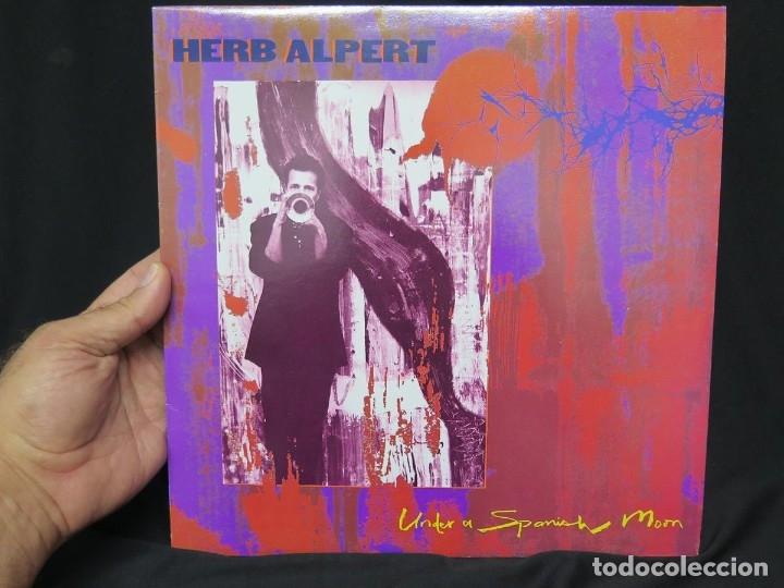 Discos de vinilo: HERB ALPERT - UNDER A SPANISH MOON (LP-Vinilo) AÑO 1988, COMO NUEVO-CALIDAD - Foto 30 - 178216845