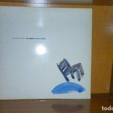 Discos de vinilo: ESCLARECIDOS - UN AGUJERO EN EL CIELO - DOBLE LP - EXITOS DESDE 1981 - 1993. Lote 178251762