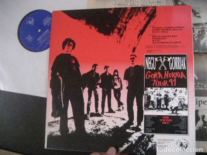 Discos de vinilo: NEGU GORRIAK Manu Chao etc Gora Herria mini LP 1991 CON PERIODICO COMO NUEVO - Foto 3 - 178635287